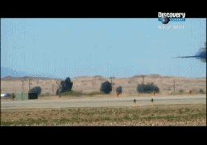 """Разрушитель Адам разрушается на виражах разрушительного F/A-18 В поддержку тега """"Blue Angels"""""""