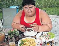 90% жирных детей и подростков стали такими,из за проживание с бабушкой.)    Пикабу