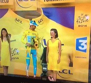 Этот неловкий момент Лидер «Тур де Франс» после победы на втором этапе