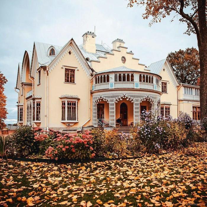 Дворец Коттедж — красивейшее сооружение парка «Александрия». Осень, Ноябрь, Петергоф, Коттедж, Кабы я была царица