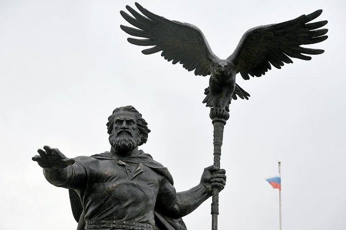 Памятники в москве литературным авторские overwatch изготовление памятников город г владимир