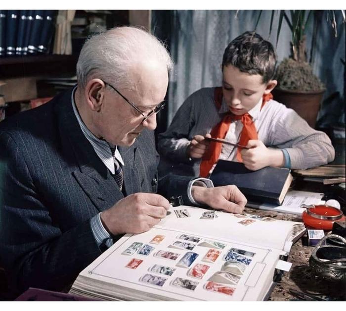 Пионер гуглит за сколько можно толкнуть дедушкины марки