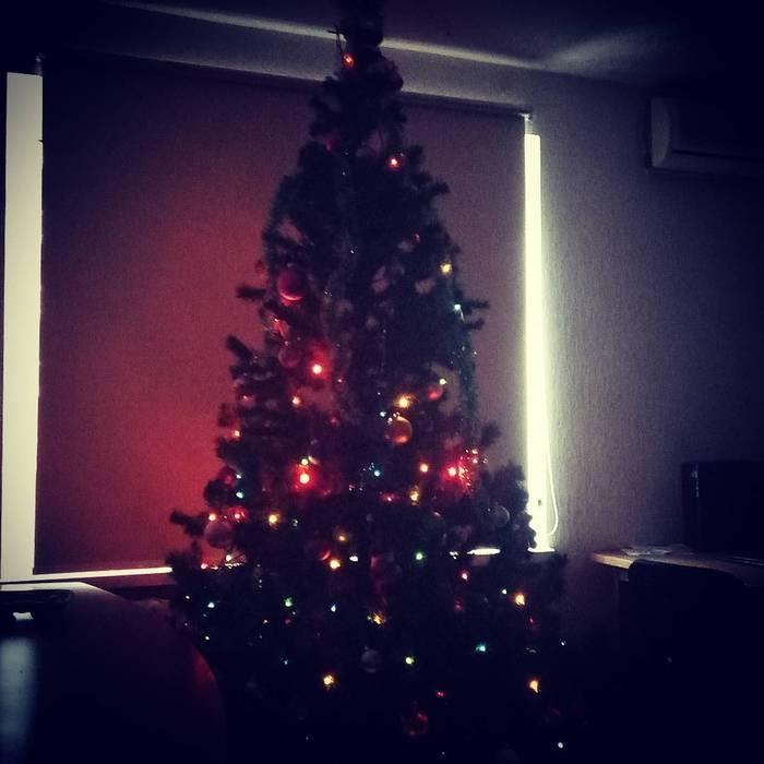 Пора уже ёлочку наряжать Новый Год, Офисные будни