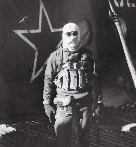 Боец советского спецназа в Афганистане.