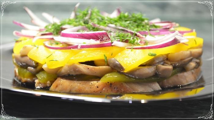 Салат с курицей и грибами в медовом соусе! Салат, Салаты на Новый год, Салат с курицей, Рецепт, Новогодний салат, Еда, Семейные рецепты, Длиннопост