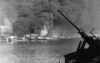 Бомбардировка Бари в 1943 году: почему её назвали европейским Пёрл-Харбором Бари, Бомбардировка, Война, Вторая мировая война, Не мое, Длиннопост