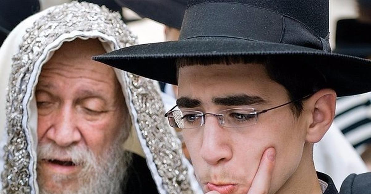 Член еврейского парня видео