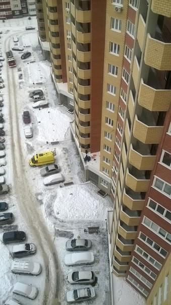 Тюменец, выпавший с 10-го этажа, отсудил у застройщика больше 600 тысяч рублей Тюмень, падение, возмещение, длиннопост