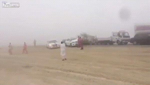 Все как в тумане #3 ДТП, Кувейт, Все как в тумане, Туман, Полет, Гифка, Видео
