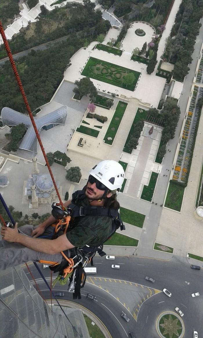 Вертолет ищет пропавших без вести альпинистов. Альпинизм, Азербайджан, Пропавшие без вести