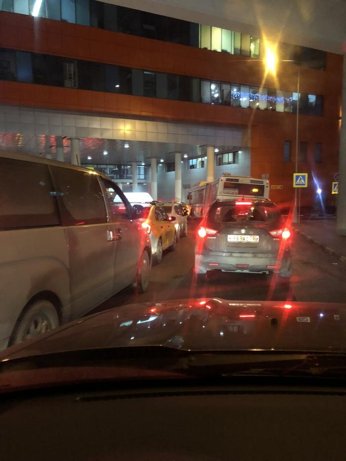 Внимание: в Шереметьево полный трэш на дорогах Аэропорт, Шереметьево, Пробки, Длиннопост