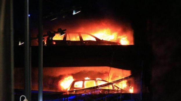 В Великобритании на парковке сгорели 1400 авто Drive2, Пожар, Великобритания, Новости, Breaking news, Авто, Видео, Длиннопост