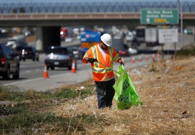 Подозрительная чистота на обочинах американских дорог Америка, США, Мичиган, Жизнь в США, Американская глубинка, Одноэтажная Америка, Длиннопост
