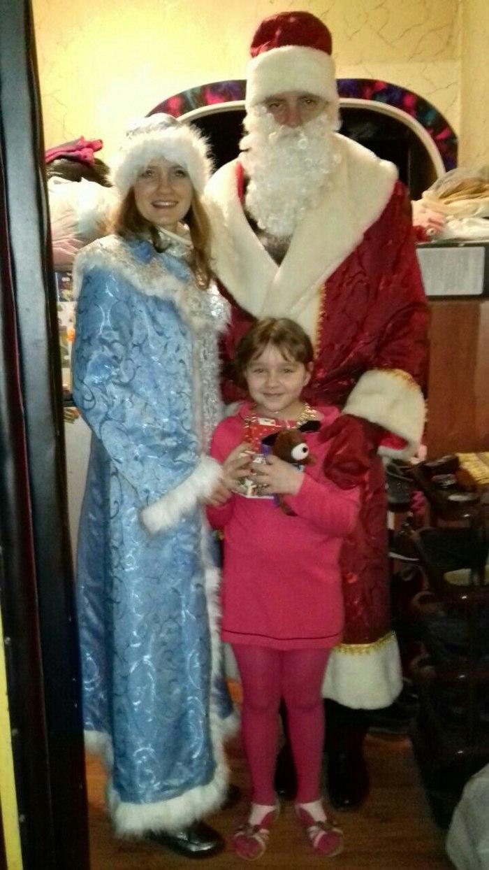 Поздравление детей Снегурочкой и Дедом Морозом Дети, Поздравление, Дед Мороз, Снегурочка, Подарок, Длиннопост