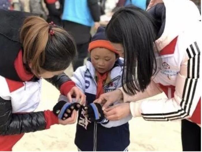 «Мальчик-снежника»... Китай, Китайские деревни, благотворительность, Сила духа, длиннопост