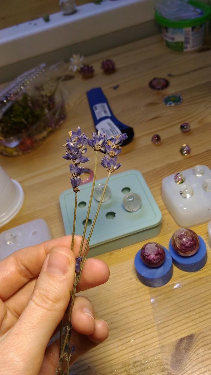 Как сделать украшение из лаванды и эпоксидного клея