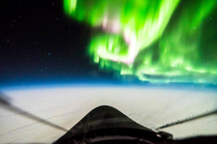 Полярное сияние из кабины U-2 Самолет, Вид из самолёта, Красота природы
