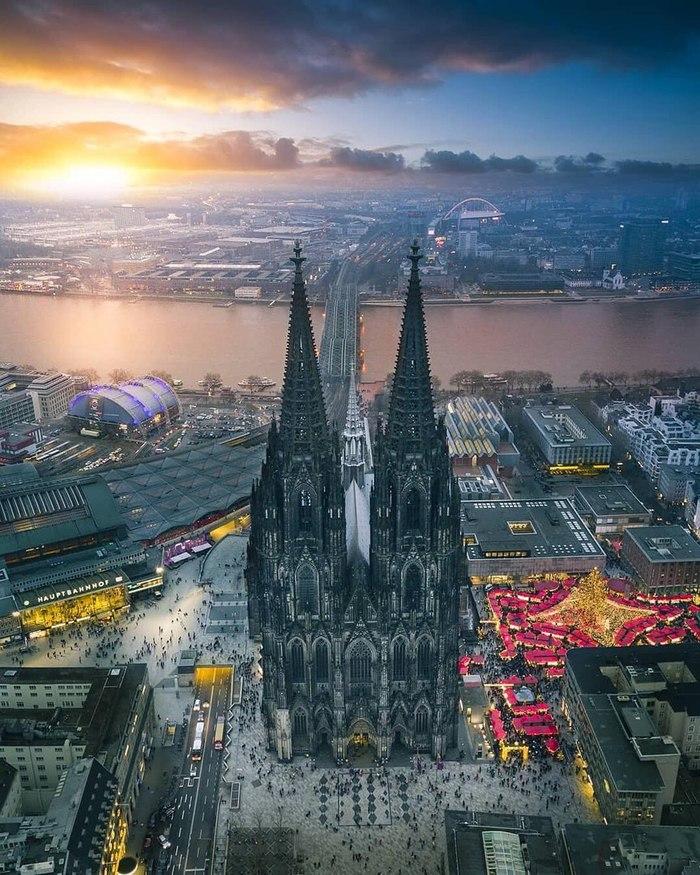 Вечерний праздничный Кёльн Фотография, Кельн, Кельнский собор в Германии, Собор, Костёл, Костел