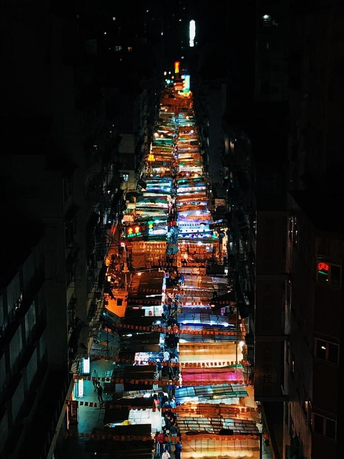 Ночной рынок в Гонконге