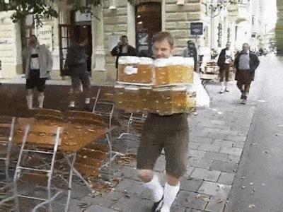 - Принесите пиво!