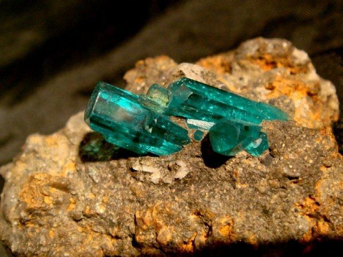 Смарагд или невероятный камень - изумруд Минералогия, Лига минералогии, Кристаллы, Берилл, Изумруд, Длиннопост