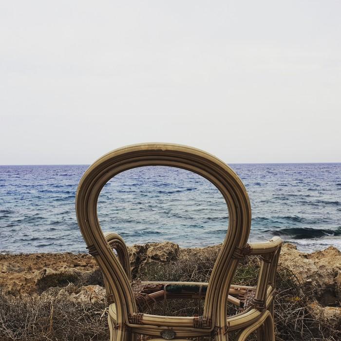 С видом на море...