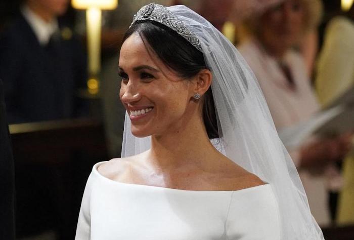 Как выглядит платье за 200 тысяч фунтов стерлингов, которым Меган Маркл довела принца Гарри до слёз. Свадьба, Принц Гарри, Актриса Меган Маркл, Великобритания, Длиннопост