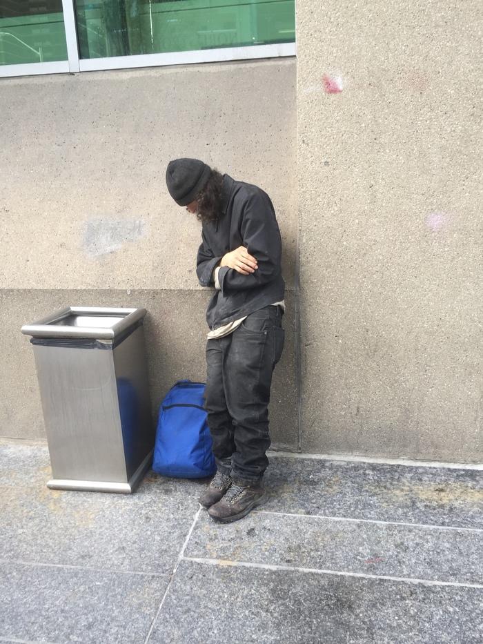 """5-дневный марафон """"Безумцы и бездомные в Торонто"""" (1) — Бессилие Торонто, канада, Америка, Бомж, бездомные, безумие, Псих, иммиграция, видео, длиннопост"""