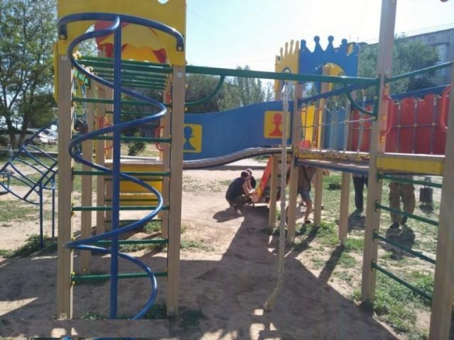 Решили проблему Детская площадка, Администрация, Длиннопост, Ахтубинск