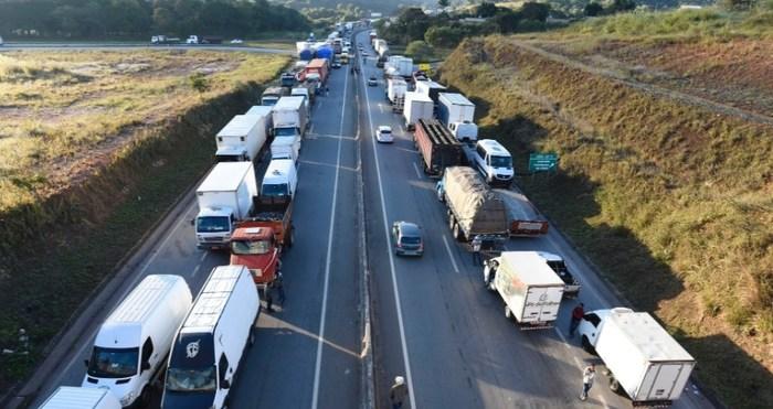 Бразилию парализовало или немного новостей из жаркой страны Бразилия, забастовка дальнобойщиков, забастовка, новости, длиннопост