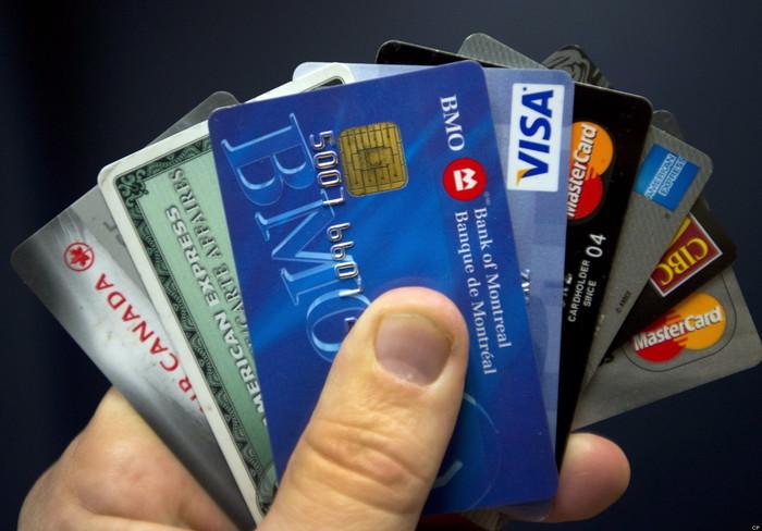 Пластиковая карточка в 2007 против наличных Пластиковые карты, Банк, 2007, Тру стори
