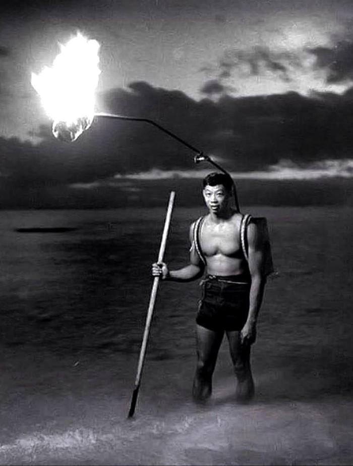 Ночная рыбалка на Гаваях, 1948 год.