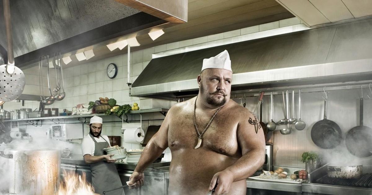 картинка толстый повар на кухне