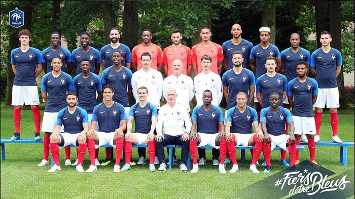 В сборной Франции по футболу с дипломами только 7 игроков из 23 Перевод, Чемпионат мира по футболу, Футбол, Франция, Сборная Франции, Чемпионат мира, Еще я в нее ем, Длиннопост