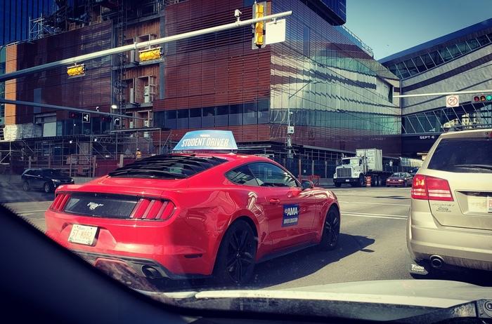 Такие вот студент драйверы в Канаде, г.Эдмнтон Вождение, Канада, Студенты, Ford mustang