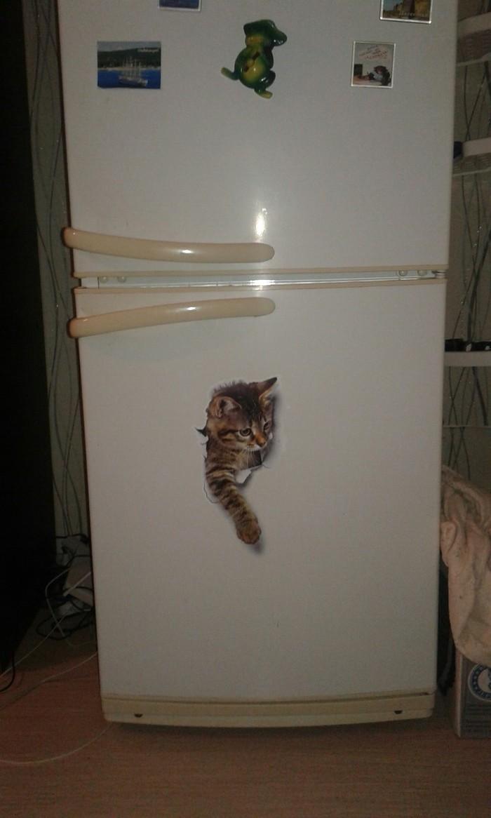 Холодильник у матери.