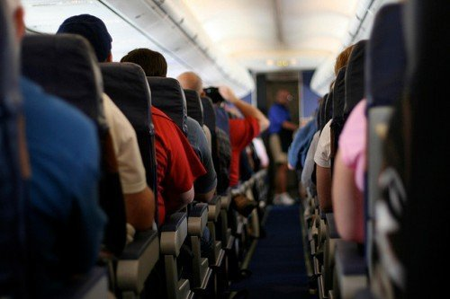 Из-за неудачного фильма самолету пришлось совершить экстренную посадку Фильмы, Самолет, Посадка, Пассажиры