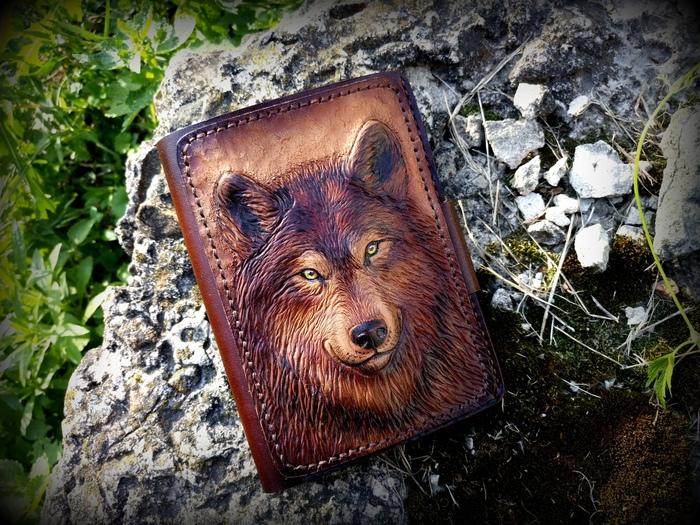 Любимый зверь в новом формате... тиснение по коже, кошелёк с тиснением, Волк, рукоделие без процесса, длиннопост