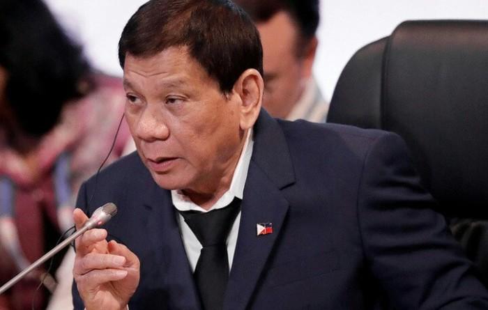 Президент Филиппин пообещал подать в отставку, если ему докажут существование бога Религия, Родриго Дутерте