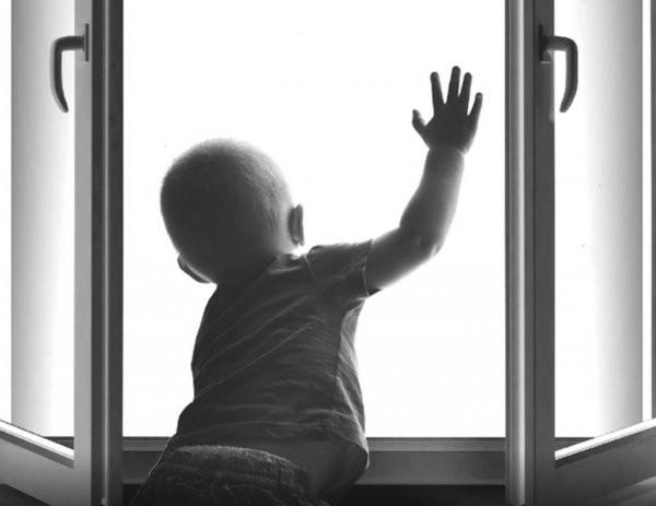 Проблема многоэтажек и падающие дети. Многоэтажка, Дети, Падение, Опасность, Внимание, Смертность, Лайфхак