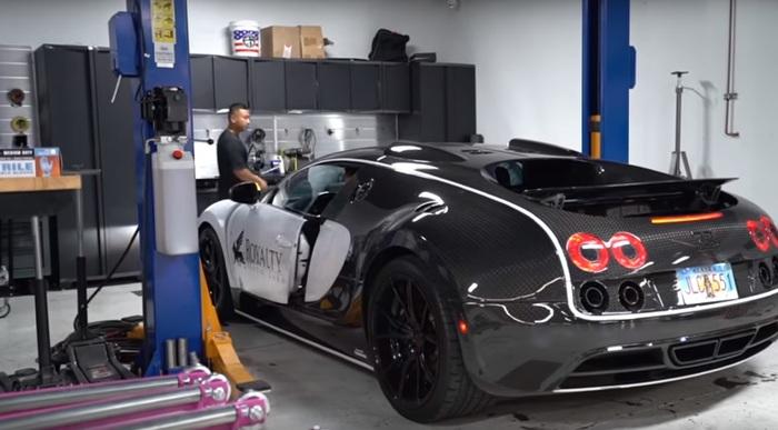 Замена масла в Bugatti Veyron стоит 21 000 долларов Bugatti, Моторное масло, Экономия, Лайфхак, Видео, Длиннопост, Юмор