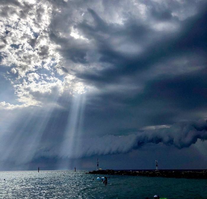В ожидании дождика Гроза, Тучи, Лето, Море