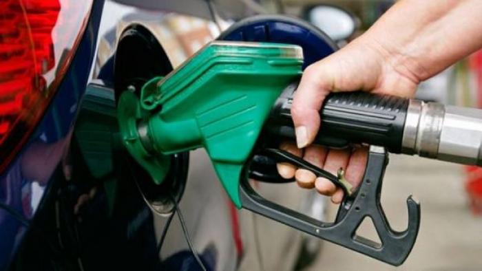 Bloomberg включил Россию в десятку стран с самым дешевым бензином Новости, Бензин, Цена на бензин, Bloomberg, Риа Новости, Политика