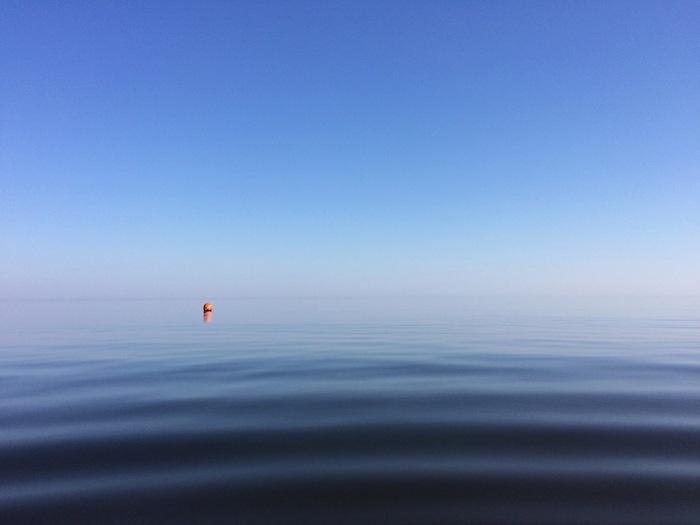 Балтийское море слилось с небом