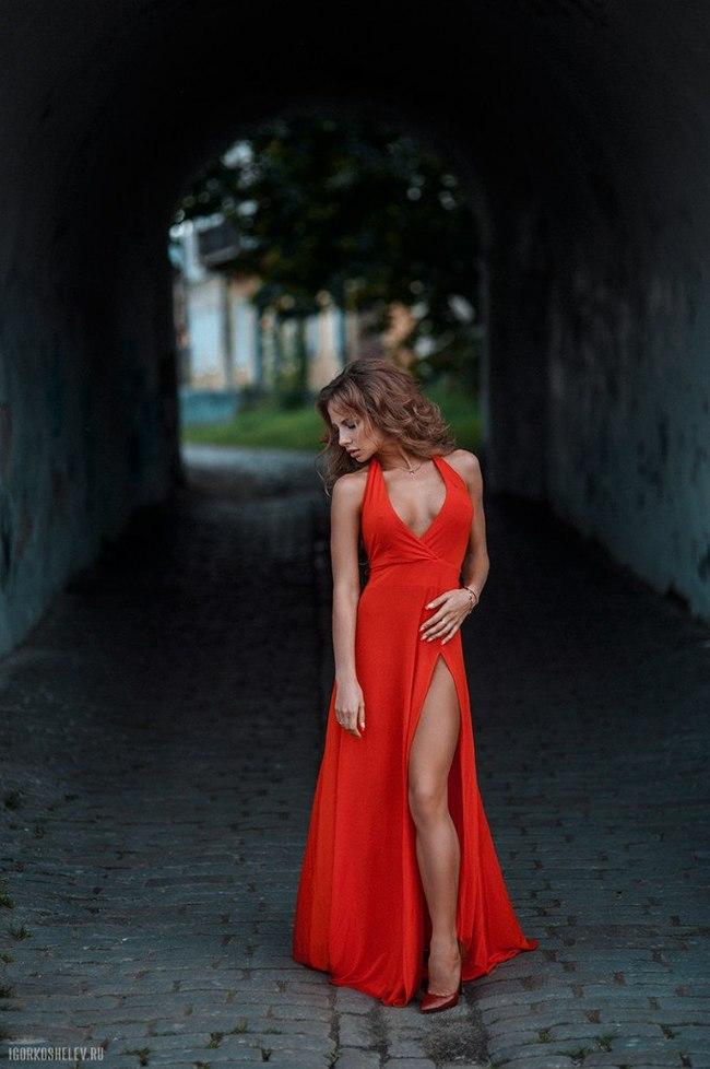 Платье и девушка 11.0