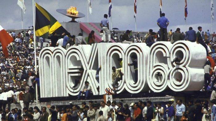 История городских протестов: Растрел демонстрации в Тлателолько Протест, Мексика, 1968, История, Жесть, Видео, Длиннопост