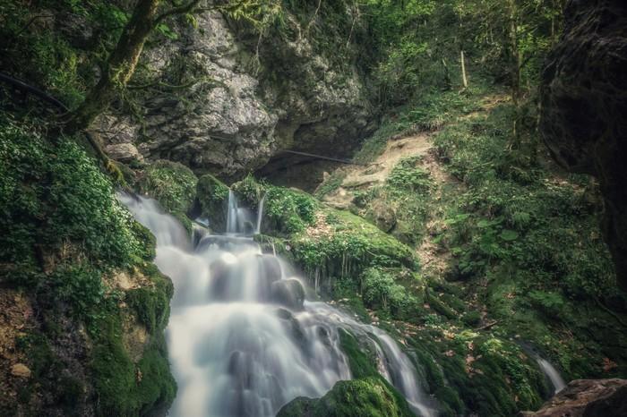 Водопад Исиченко в Курджипском ущелье