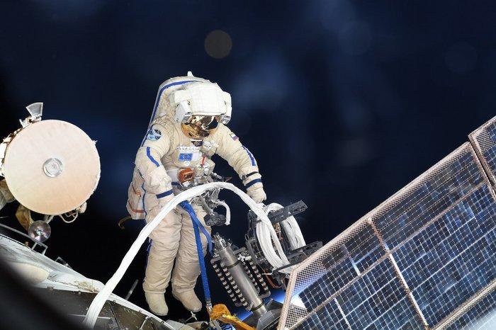Олег Артемьев и Сергей Прокопьев провели работы в открытом космосе Космос, Космонавт, Роскосмос, МКС, Длиннопост, Видео