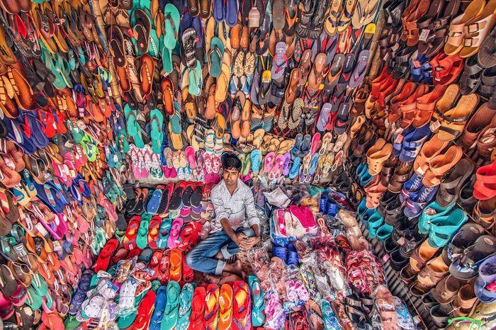 Продавец обуви