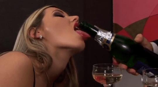 Шампанского в пятницу! Клубничка, Эротика, Гифка, Cherry Jul